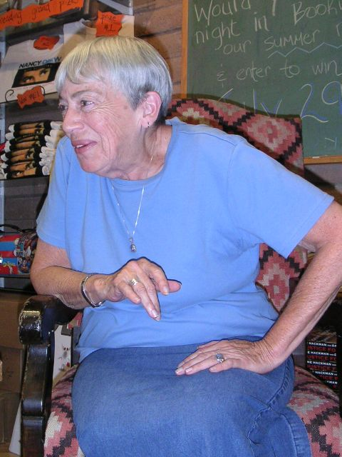 An informal picture of Ursula K. Le Guin in conversation. Courtesy: Wikimedia Commons.